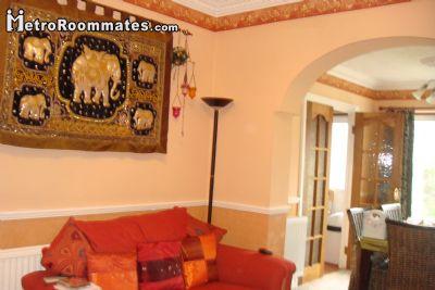 Image 7 Furnished room to rent in Ilford, Redbridge 4 bedroom House