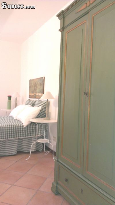 Image 2 furnished 3 bedroom Apartment for rent in Monti, Roma (City)