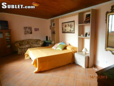 Image 2 furnished 1 bedroom House for rent in Fiumicino, Roma (Province)
