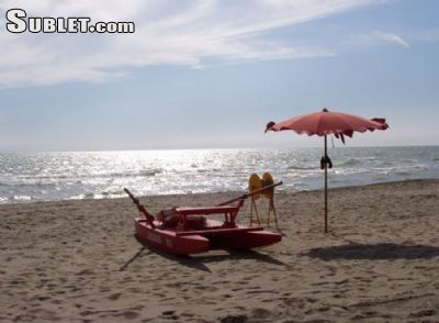 Image 9 furnished 1 bedroom House for rent in Fiumicino, Roma (Province)