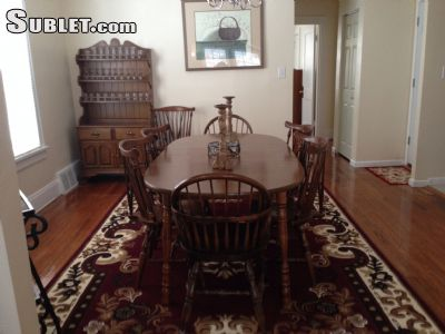 Image 2 furnished 2 bedroom Apartment for rent in Cleveland Heights, Cuyahoga County