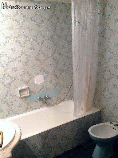 Image 6 furnished 4 bedroom Apartment for rent in Camp de lArpa, Sant Marti