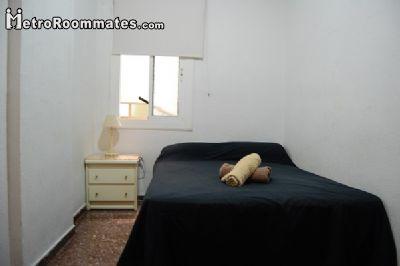 Image 7 furnished 4 bedroom Apartment for rent in Camp de lArpa, Sant Marti