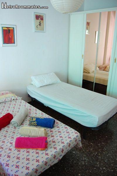 Image 8 furnished 4 bedroom Apartment for rent in Camp de lArpa, Sant Marti