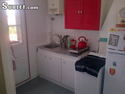 Image 1 Furnished room to rent in Montreuil, Seine-Saint-Denis 2 bedroom Apartment