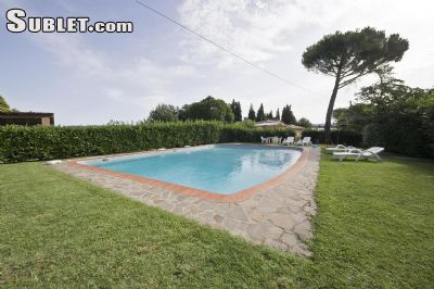 Image 2 furnished 2 bedroom Apartment for rent in Monteriggioni, Siena