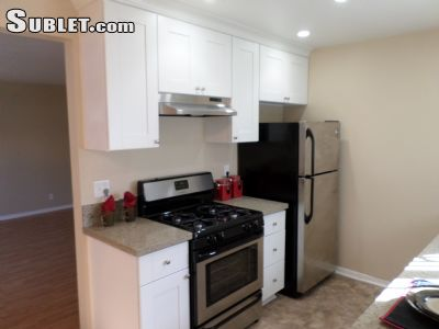 Image 2 unfurnished 2 bedroom Apartment for rent in Costa Mesa, Orange County