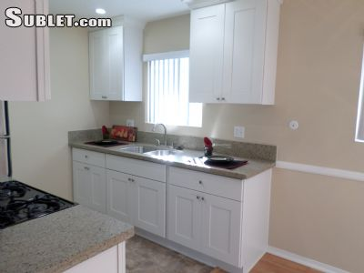 Image 3 unfurnished 2 bedroom Apartment for rent in Costa Mesa, Orange County