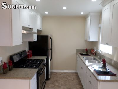 Image 4 unfurnished 2 bedroom Apartment for rent in Costa Mesa, Orange County