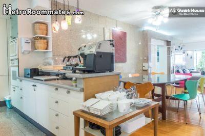 $415 room for rent Pathum Wan, Bangkok