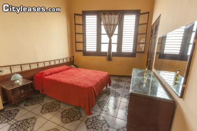 Image 5 furnished 2 bedroom Apartment for rent in La Rampa, Ciudad Habana