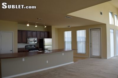 Image 2 unfurnished 4 bedroom Townhouse for rent in The Colony, Denton County
