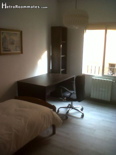 Valencia Room for rent