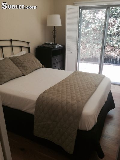 Image 2 furnished 4 bedroom House for rent in Beverly Hills, West Los Angeles