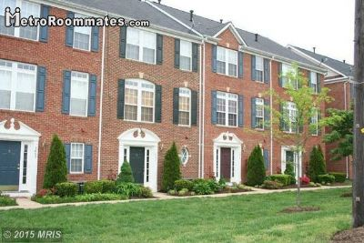 $1100 1 Falls Church, DC Metro