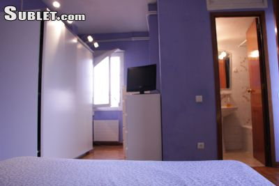 Image 3 Furnished room to rent in Esquerra Eixample, Eixample 2 bedroom Apartment