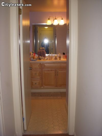 Image 4 unfurnished 1 bedroom Apartment for rent in Mahwah, Bergen County