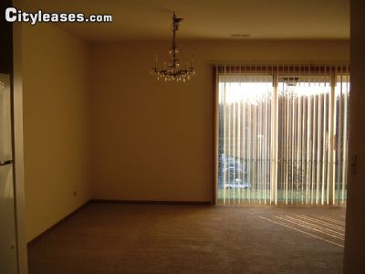 Image 3 unfurnished 2 bedroom Apartment for rent in Waukegan, North Suburbs