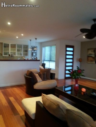 Image 2 Furnished room to rent in Gold Coast, Gold Coast 5 bedroom Hotel or B&B