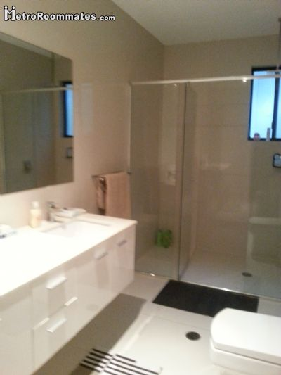 Image 8 Furnished room to rent in Gold Coast, Gold Coast 5 bedroom Hotel or B&B