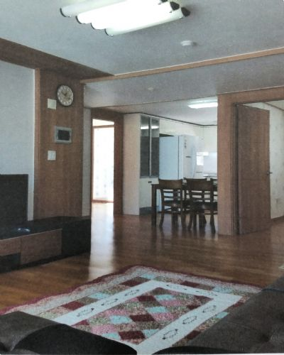 Image 2 furnished 3 bedroom Apartment for rent in Jinhae, South Gyeongsang