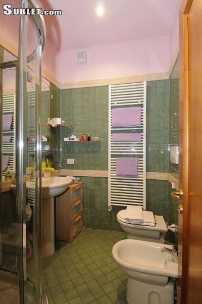 Image 5 furnished 1 bedroom Apartment for rent in Lucca, Lucca