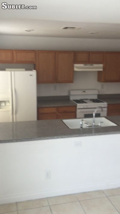 Image 3 Room to rent in Northeast, Las Vegas Area 3 bedroom Townhouse