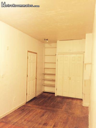 Image 2 Room to rent in Woodside, Queens 2 bedroom Dorm Style