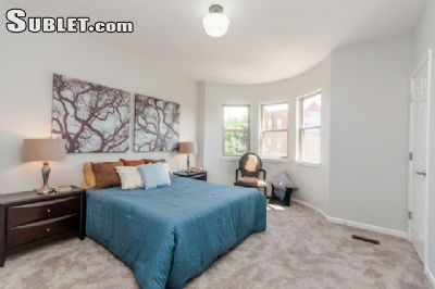 Image 6 furnished 2 bedroom Townhouse for rent in Near North, Downtown