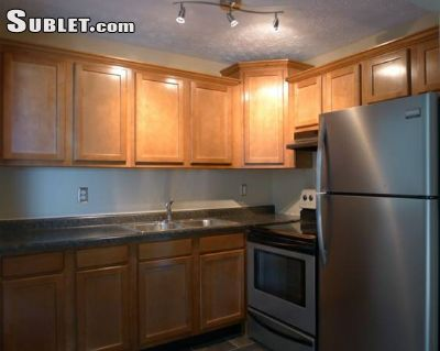 Image 2 furnished 2 bedroom Apartment for rent in Clifton, Cincinnati