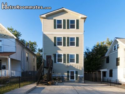 Image 2 furnished 4 bedroom House for rent in Northeast, DC Metro