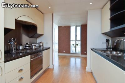 Image 2 furnished 3 bedroom Apartment for rent in Canary Wharf, Tower Hamlets