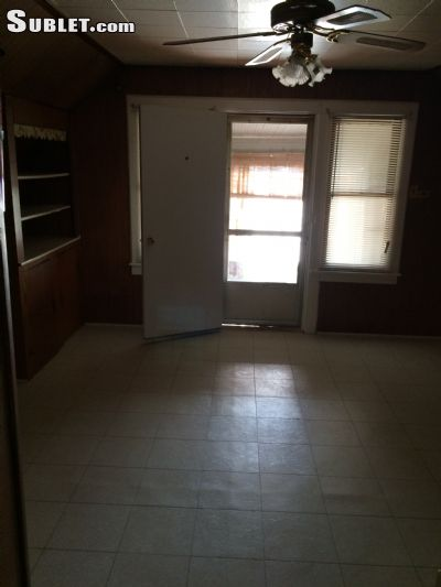 Image 9 unfurnished 1 bedroom Apartment for rent in Roseland, Far South Side