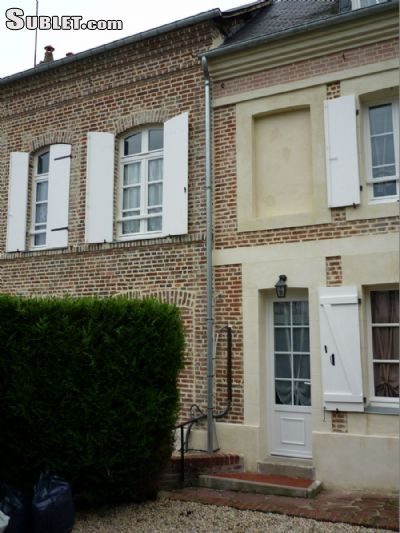 Image 2 furnished 4 bedroom House for rent in Lisieux, Calvados