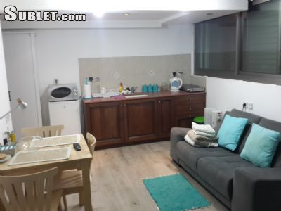 Image 3 furnished Studio bedroom Apartment for rent in Merkaz HaCarmel (Carmel Center), Haifa