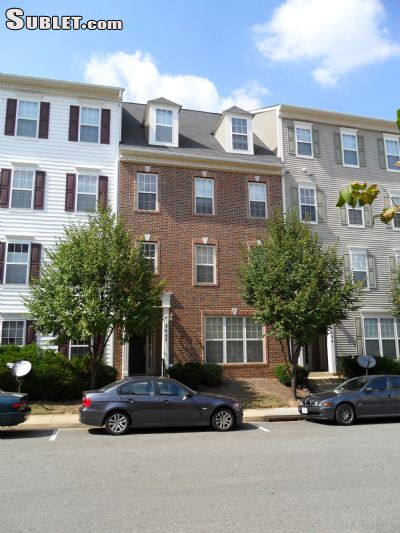 Image 1 unfurnished 3 bedroom Townhouse for rent in Dunn Loring, DC Metro