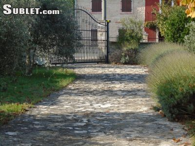 Image 3 furnished 3 bedroom House for rent in Buje, Istria