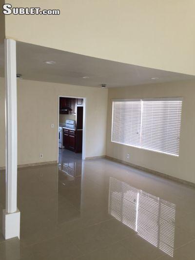 Image 2 unfurnished 5 bedroom House for rent in Orange, Orange County
