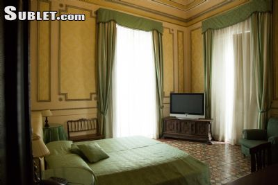 Image 2 Furnished room to rent in Catania, Catania 5 bedroom Hotel or B&B