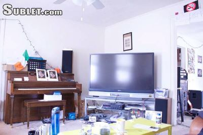Image 2 Furnished room to rent in Near West (campus), Madison 3 bedroom House