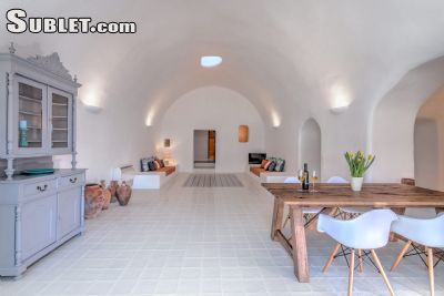 Image 4 furnished 2 bedroom Apartment for rent in Santorini, Cyclades