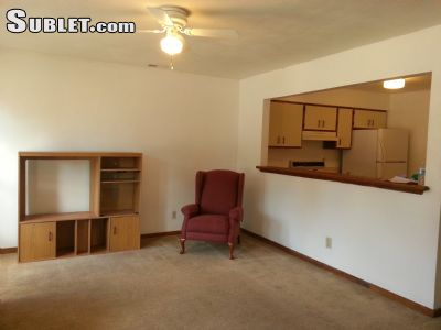 Image 2 unfurnished 2 bedroom Townhouse for rent in Portsmouth County, Hampton Roads