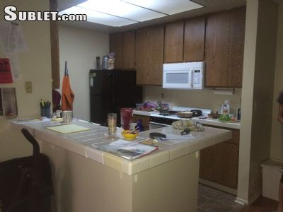 Image 2 unfurnished 2 bedroom Apartment for rent in Westwood, West Los Angeles