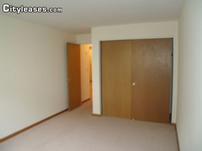 Image 3 unfurnished 1 bedroom Apartment for rent in Waukegan, North Suburbs