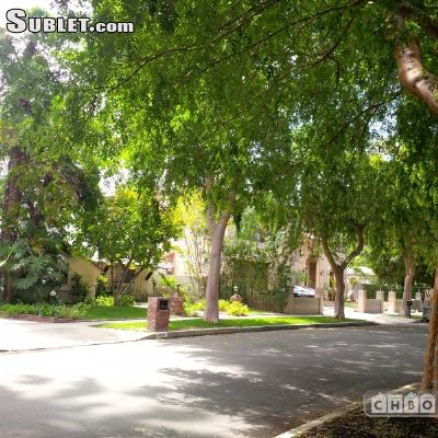 Image 2 furnished 3 bedroom House for rent in Encino, San Fernando Valley