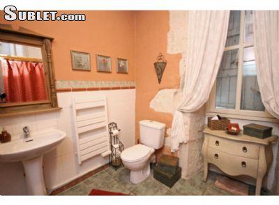 Image 1 furnished 2 bedroom House for rent in Saint-Mande, Val-de-Marne