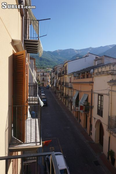Image 1 furnished 3 bedroom Apartment for rent in Castelbuono, Palermo