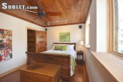 Image 2 furnished 3 bedroom Townhouse for rent in Trinity-Bellwoods, Old Toronto