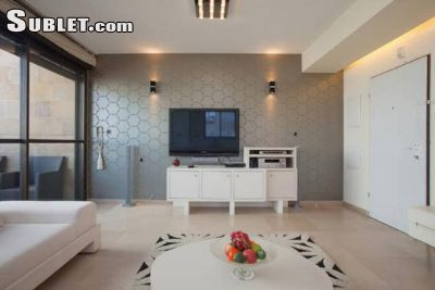 Image 2 furnished 3 bedroom Apartment for rent in Tel Aviv-Yafo, Tel Aviv