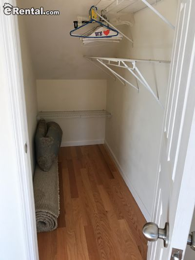 Image 4 unfurnished 3 bedroom Apartment for rent in Dyker Heights, Brooklyn